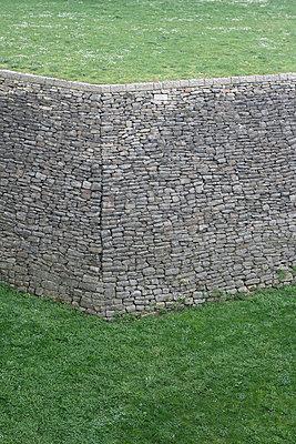 Stone wall - p703m907675 by Anna Stumpf