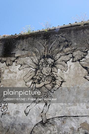 Graffiti showing male figure - p260m1161242 by Frank Dan Hofacker