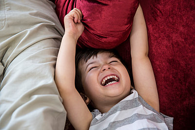 Laughing - p535m1050118 by Michelle Gibson