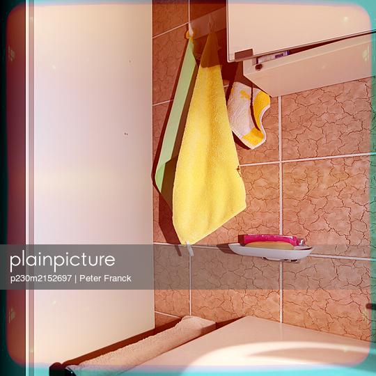 Old bathroom - p230m2152697 by Peter Franck