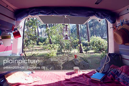 Campingbus - p464m2026436 von Elektrons 08