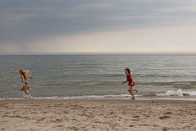 Running Race - p294m1069504 by Paolo
