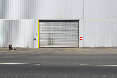 Germany, Duesseldorf, Industrial harbour, gateway - p300m1029186f by visual2020vision