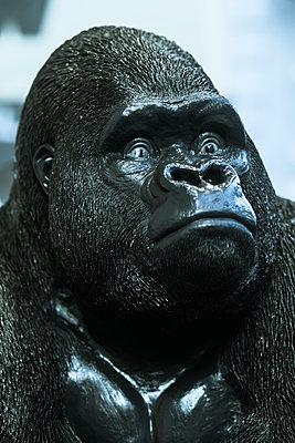 Gorilla sculpture - p728m2064716 by Peter Nitsch