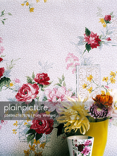 Cut flowers with vintage rose wallpaper - p349m2167676 by Polly Wreford