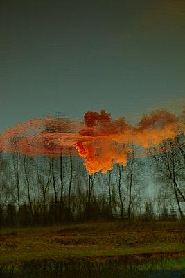 Orange smoke - p1010m2278373 by timokerber