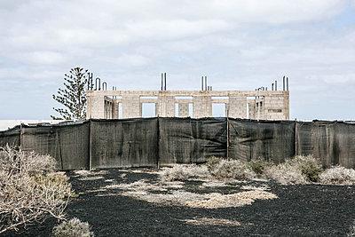 Unfinished building - p1082m1538968 by Daniel Allan