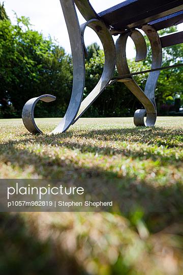 Parkbank - p1057m982819 von Stephen Shepherd