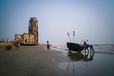 Crumbling seaside church, (Nha tho do Nam Dinh) in  Hai Ly Commune - p934m1022215 by Sebastien Loffler
