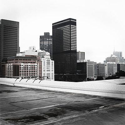 Left city - p8560107 by Pierre Baelen