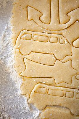 Cookie cutting - p454m2063657 by Lubitz + Dorner