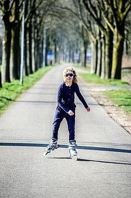 Roller skater - p896m959472 by Koen Verheijden.