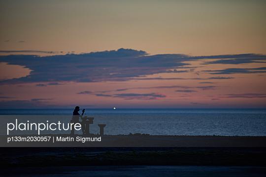 Entspannung am Meer - p133m2030957 von Martin Sigmund