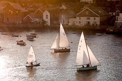 Sailing - p1202m1162112 von Jörg Schwalfenberg