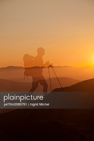 Sunrise in the mountains of South-Tirol - p470m2089751 by Ingrid Michel