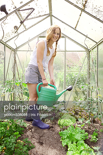 Gardening - p606m938055 by Iris Friedrich
