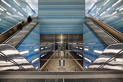 Underground station - p1230m1041768 by tommenz