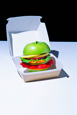 Veggie Burger - p1149m2089339 by Yvonne Röder