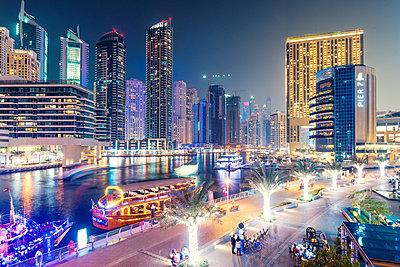 Dubai, lights, night shot - p1575m2209360 by thomas kohnle