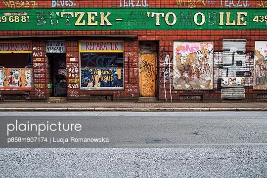 Fassade - p858m907174 von Lucja Romanowska