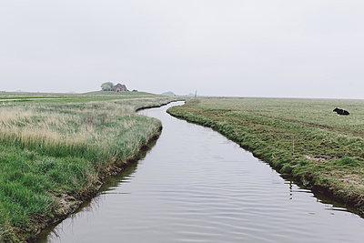 Entwässerungsgraben - p1085m876972 von David Carreno Hansen