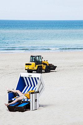 Erholung am Strand? - p1222m1026328 von Jérome Gerull