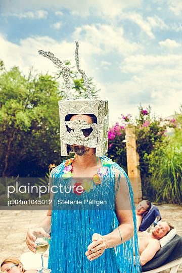Verkleidet - p904m1045012 von Stefanie Päffgen