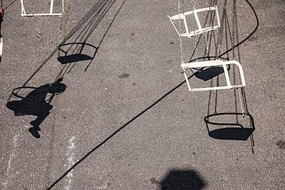 Swing carousel - p229m2092541 by Martin Langer