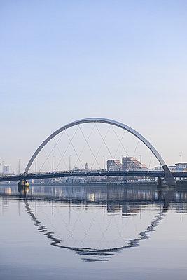 Clyde Arc Bridge, blue sky, Glasgow - p1267m2263417 by Jörg Meier