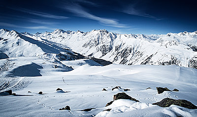 Austria, Tyrol, Ischgl, winter landscape in the mountains - p300m1069014f by Bela Raba