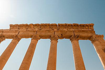 Ruinen der Oasenstadt und UNESCO-Weltkulturerbe Palmyra/Tadmor nahe Damaskus, Syrien - p1493m2063570 von Alexander Mertsch