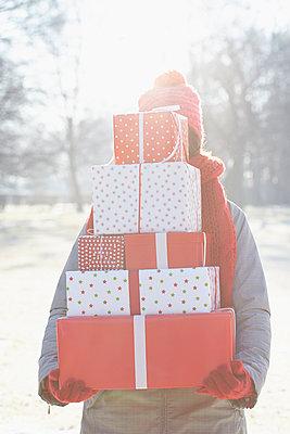 Geschenke-Lieferung - p464m1005460 von Elektrons 08
