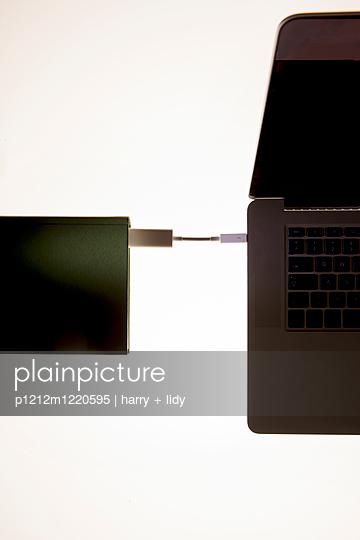 p1212m1220595 by harry + lidy
