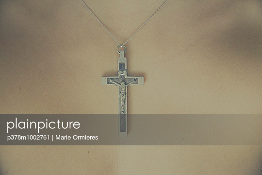 Crucifix necklace - p378m1002761 by Marie Ormieres