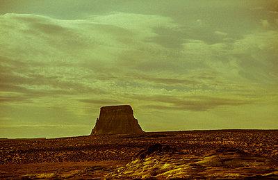 Monument Valley - p1038m931530 von BlueHouseProject