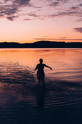 Midnight Swim  - p1507m2111148 by Emma Grann