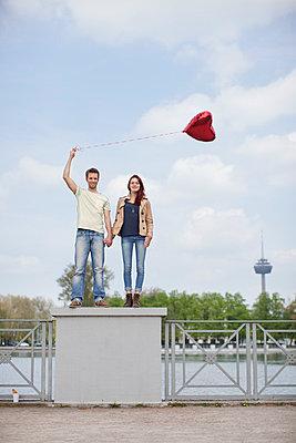 Verrückt vor Liebe - p586m808740 von Kniel Synnatzschke