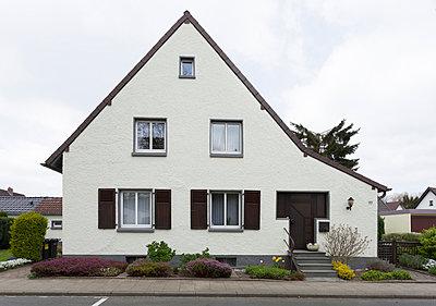 """Haus in der Arbeitersiedlung """"Dahlhauser Heide"""" in Bochum - p105m1025457 von André Schuster"""