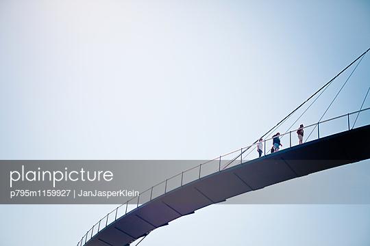 Brücke in Sassnitz - p795m1159927 von Janklein