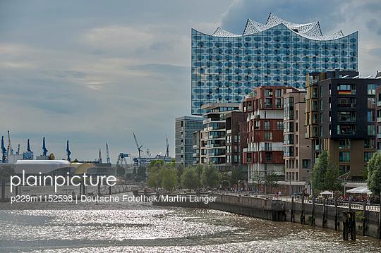 Hamburg - p229m1152598 von Martin Langer