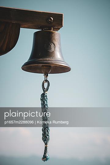 Bell sound - p1657m2288096 by Kornelia Rumberg