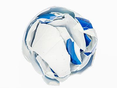 Broken eggshell - p401m2264020 by Frank Baquet