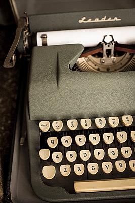 Schreibmaschine - p535m882800 von Michelle Gibson