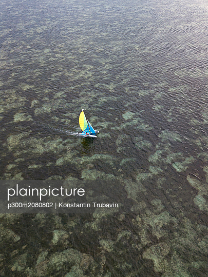 Indonesia, Bali, Nusa Dua, sailing boat - p300m2080802 by Konstantin Trubavin