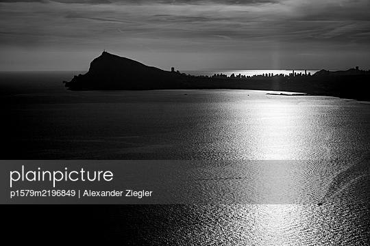 p1579m2196849 by Alexander Ziegler