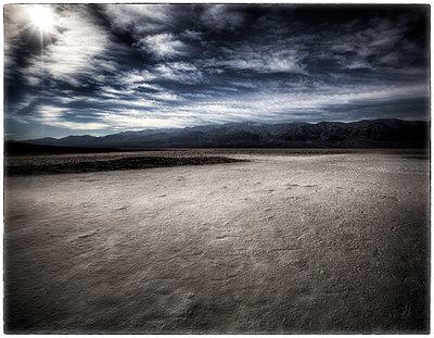 Salzpfanne in kalifornischer Wüste - p1154m1110214 von Tom Hogan