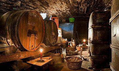 Germany, Baden-Württemberg, Überlingen, Höllwangen, Old wine cellar - p300m980763f by Holger Spiering