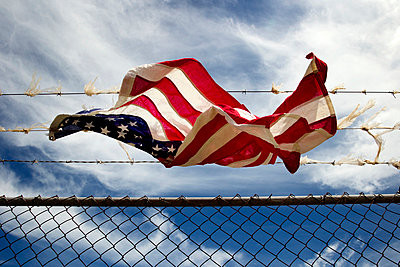 American Flag Wire - p226m851949 by Sven Görlich