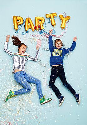 Heute wird gefeiert! - p249m1486518 von Ute Mans