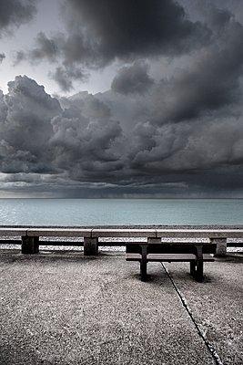 Verlassene Promenade - p1137m1201419 von Yann Grancher